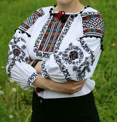 Вишиванка, жіноча вишивана блузка на домотканому полотні (Арт. 02636)