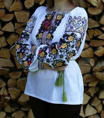 Неймовірно красива вишиванка, жіноча вишивана блузка на домотканому полотні (Арт. 02666)