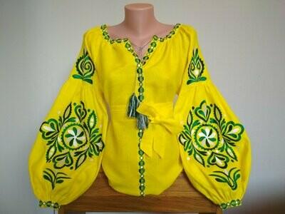 Вишиванка, жіноча вишивана блузка на жовтому домотканому (Арт. 02692)