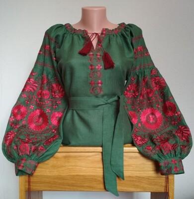 Вишиванка, жіноча вишивана блузка на зеленому льоні