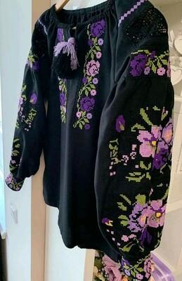 Вишиванка, жіноча вишивана блузка на чорному домотканому
