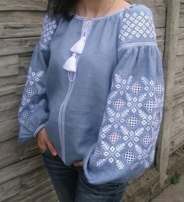 Вишиванка, жіноча вишивана блузка на джинс-льоні (Арт. 02820)