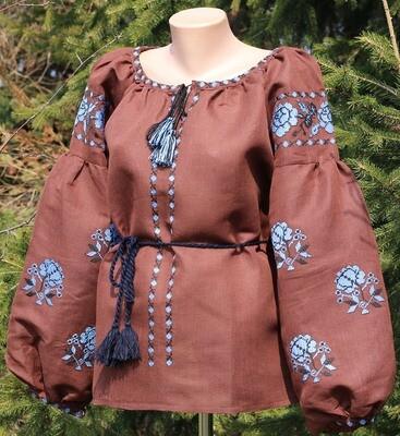 Вишиванка, жіноча вишивана блузка на коричневому домотканому