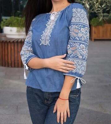 Вишиванка, жіноча вишивана блузка на джинс-льоні (Арт. 02877)