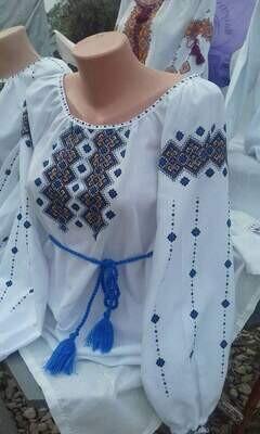 Вишиванка, жіноча вишита блузка ручної роботи (Арт. 02935)