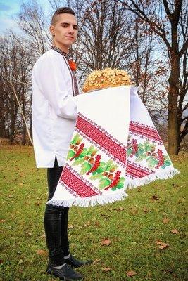 Рушник вишиваний на домотканому полотні