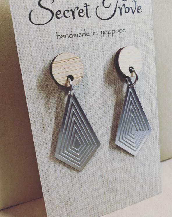 Bamboo Top Geo Kite Dangles