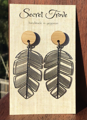 Bamboo Top Palm Leaves