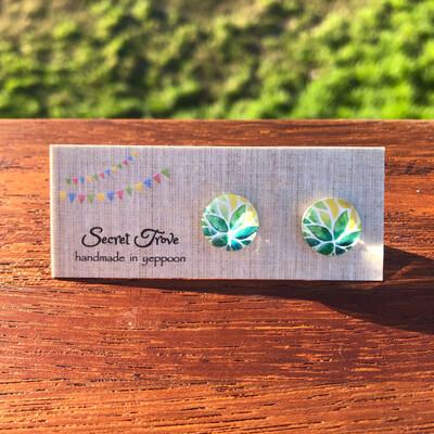 Green Leaf Earrings - 12mm