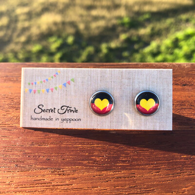 Small Aboriginal Flag Earrings - 10mm