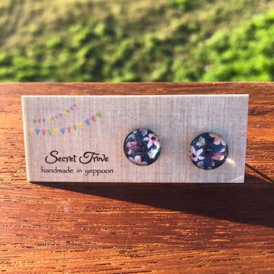Fancy Flower Earrings - 12mm