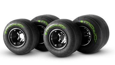 Mojo D5 Slick Tyre Set