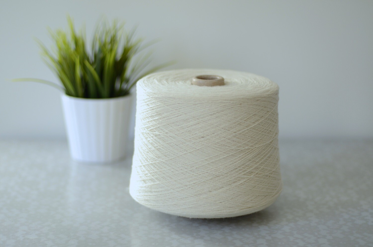 WarmWoolGallery Lambswool - WHITE (undyed)