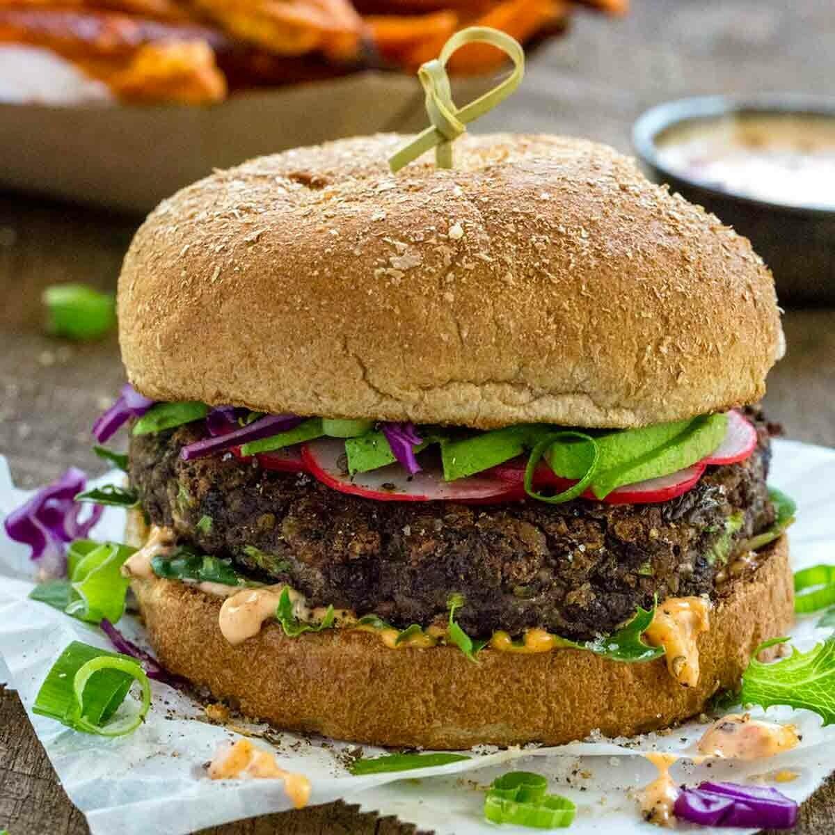 Dr.Praeger's Black Bean Veggie Burgers 48 pcs x 3.3 oz  (Halal and Kosher)
