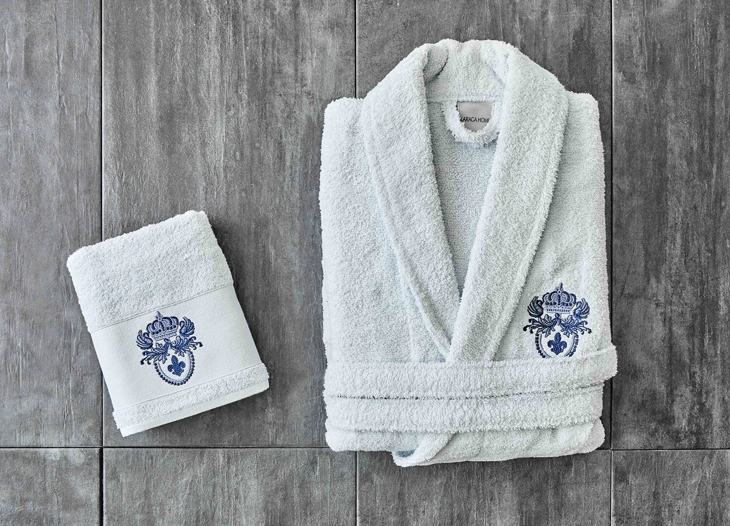 BRIAN DAILY BLUE EMBROIDERED MEN BATHROBE SET