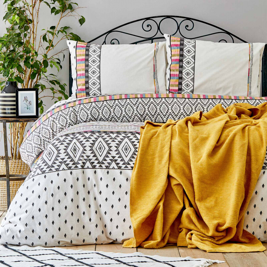 Sarah Anderson Ebony Twill Blanket Duvet Cover Set