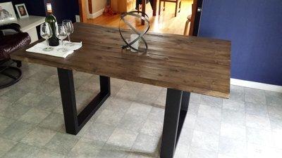 Table rustique industrielle