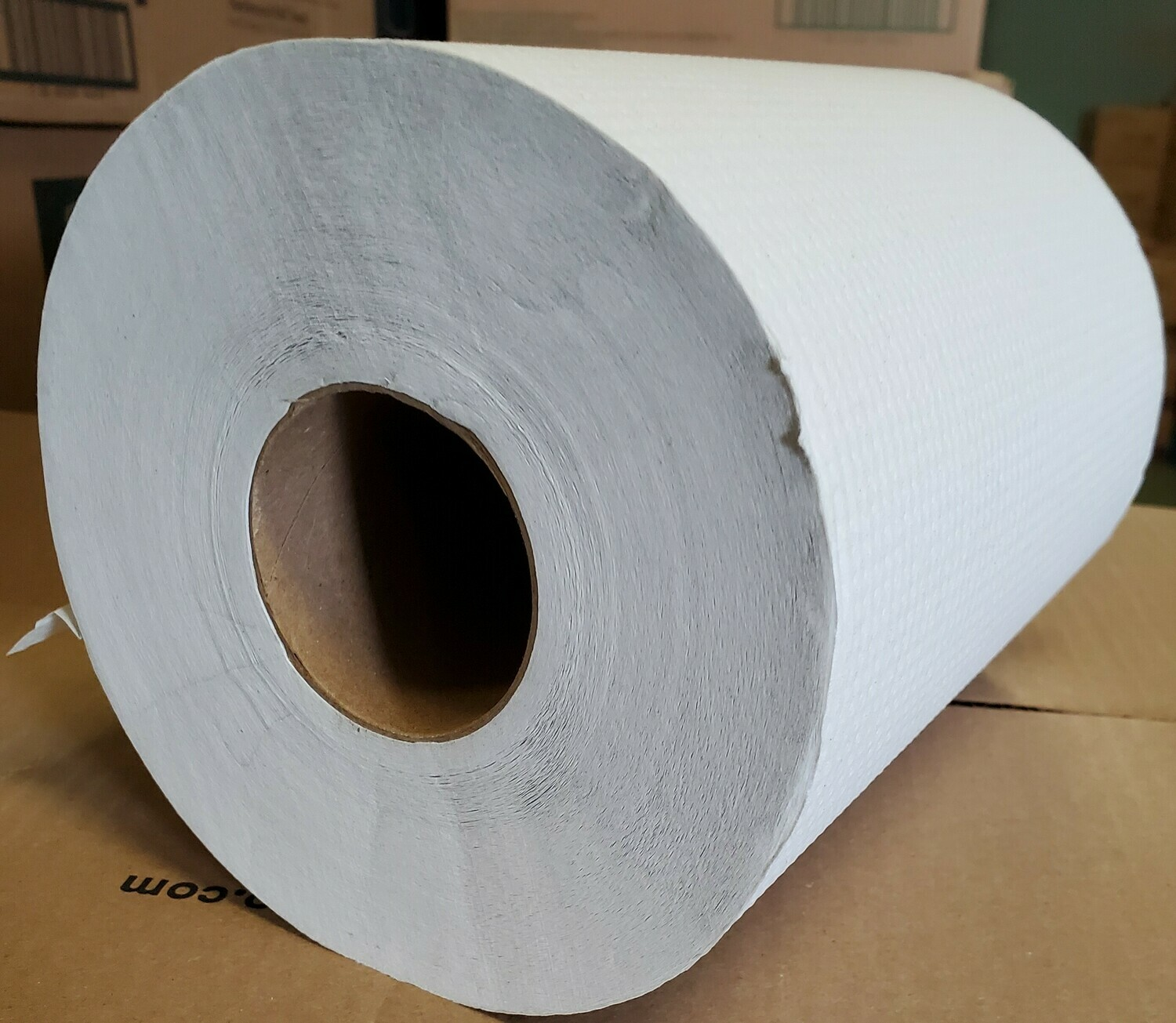 Cascades Rolled White Paper Towel