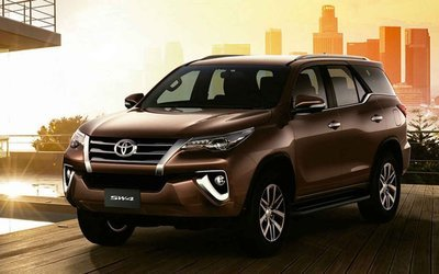 Toyota Fortuner  2018 + -  SUV  HOODLIFT (ASSISTING  OPENING OF THE HOOD/BONNET OPEN)