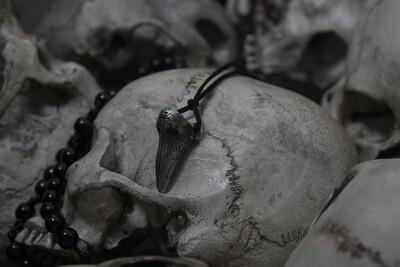 1347 - REQUIEM - PLAGUE DOCTOR MASK PENDANT