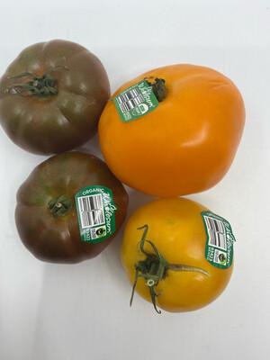 organic heirloom tomatoes (one pound)