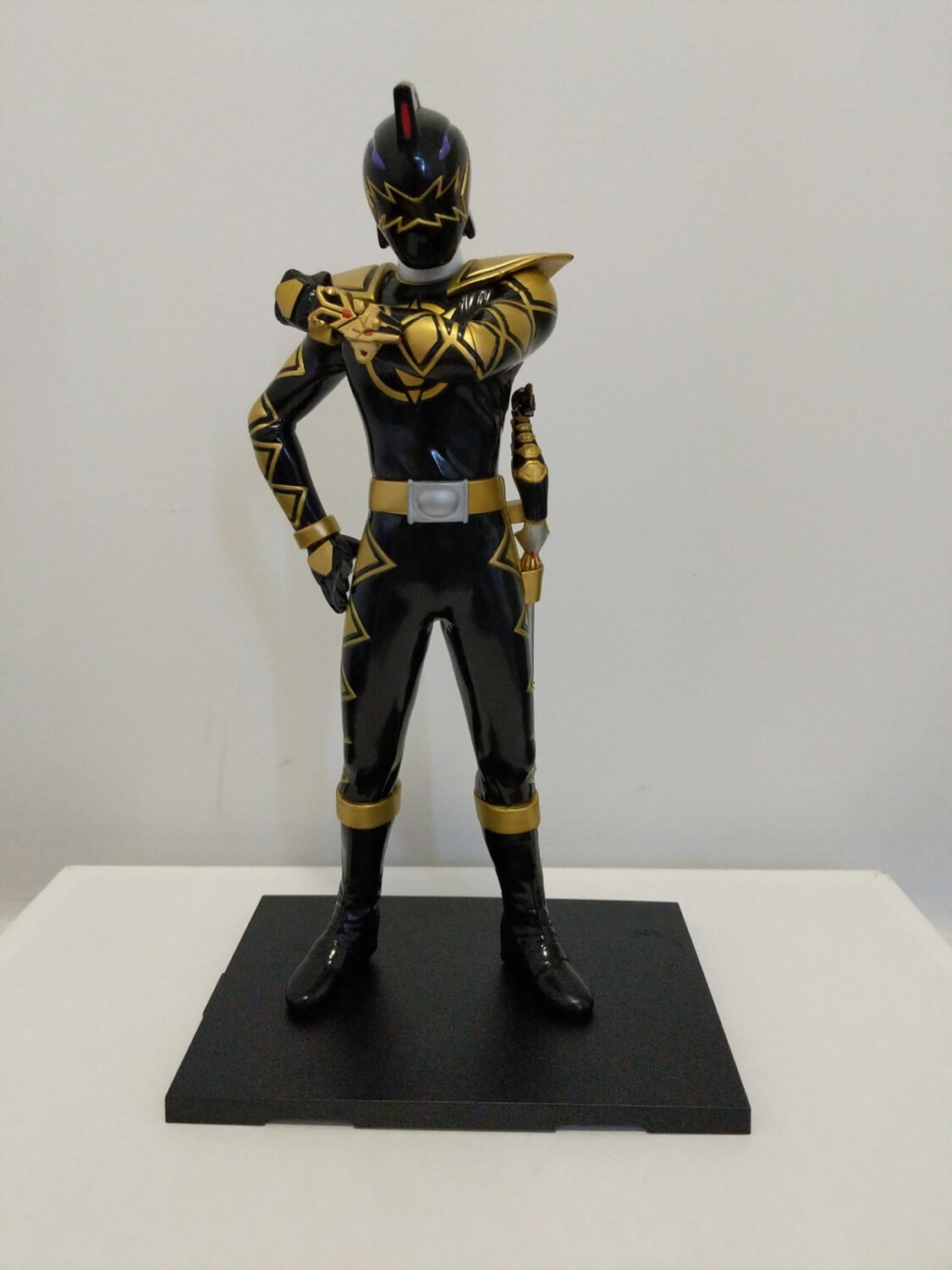 Dino Thunder Black Ranger action figure statue