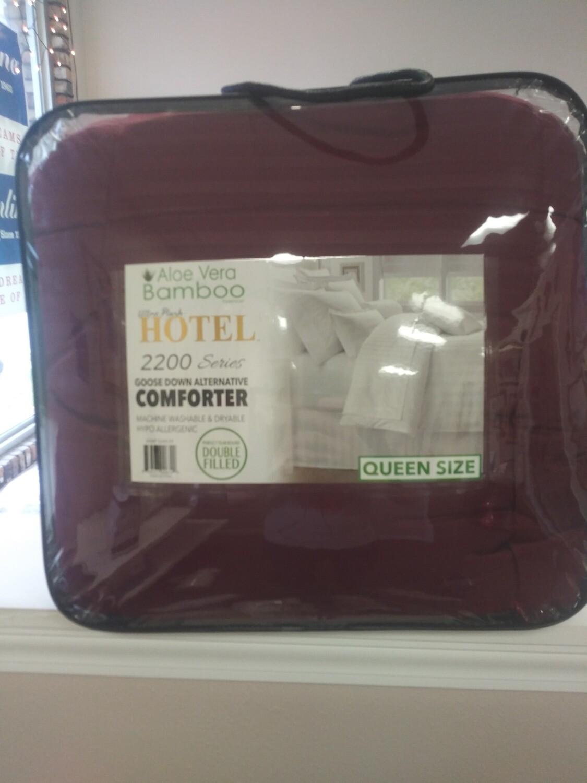 Aloe Vera Bamboo Hotel Queen Goose Down Comforter