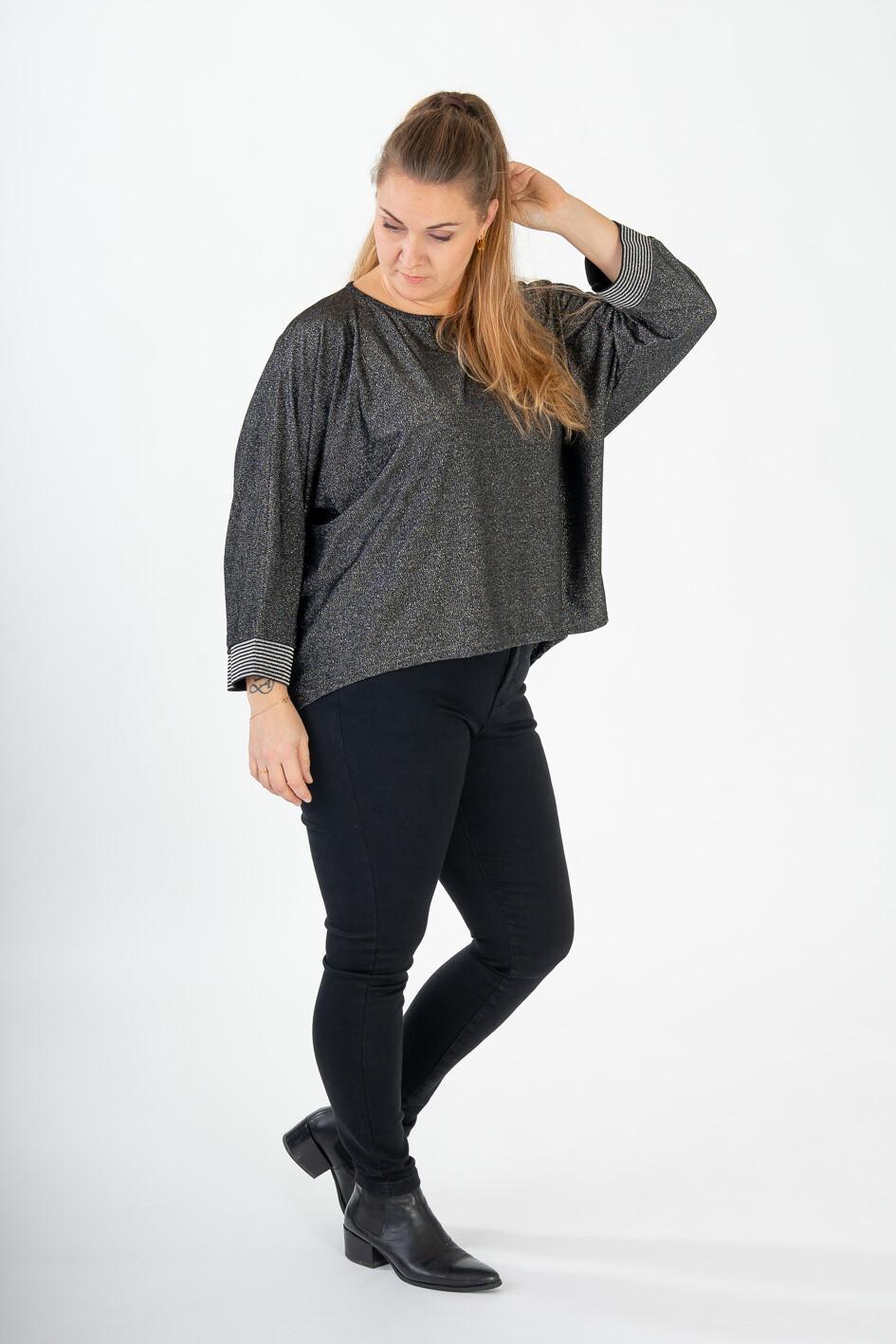 Kollektionsprøve - Smart løstsiddende sølvglitter bluse fra Zoey