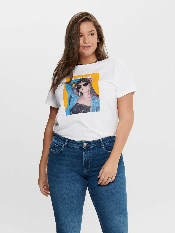 Cool t-shirt med print fra Carmakoma.