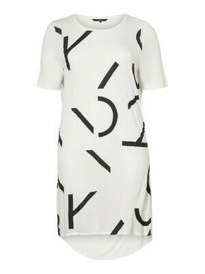 Oversize t-shirt fra Vero Moda Curve!