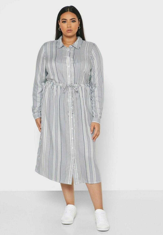 Sød kjole med bindebånd fra Junarose