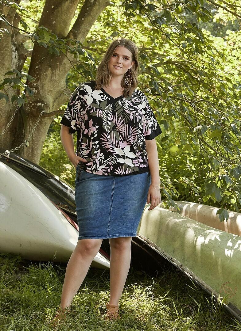 Verdens bedste cowboy-nederdel fra Zhenzi! Det er den gode model med skåneshorts i!