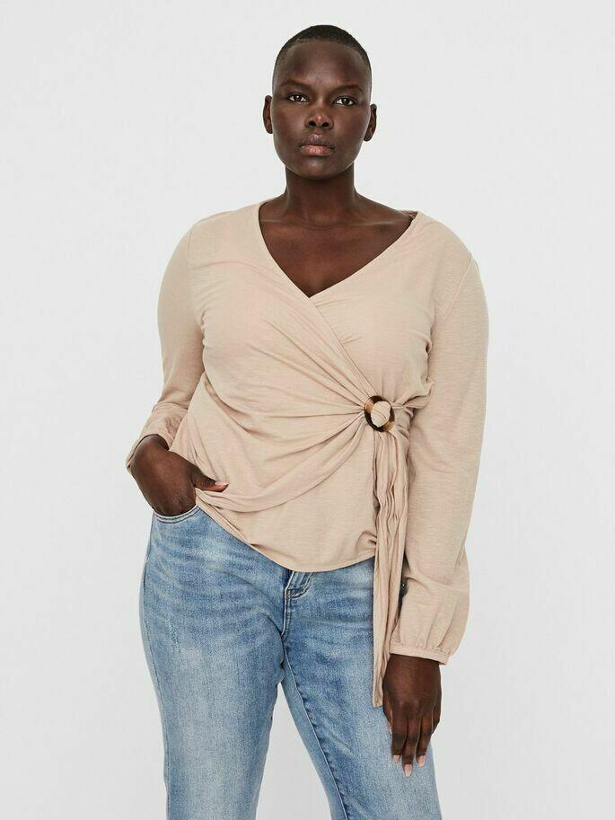 Slå-om bluse fra Vero Moda Curve