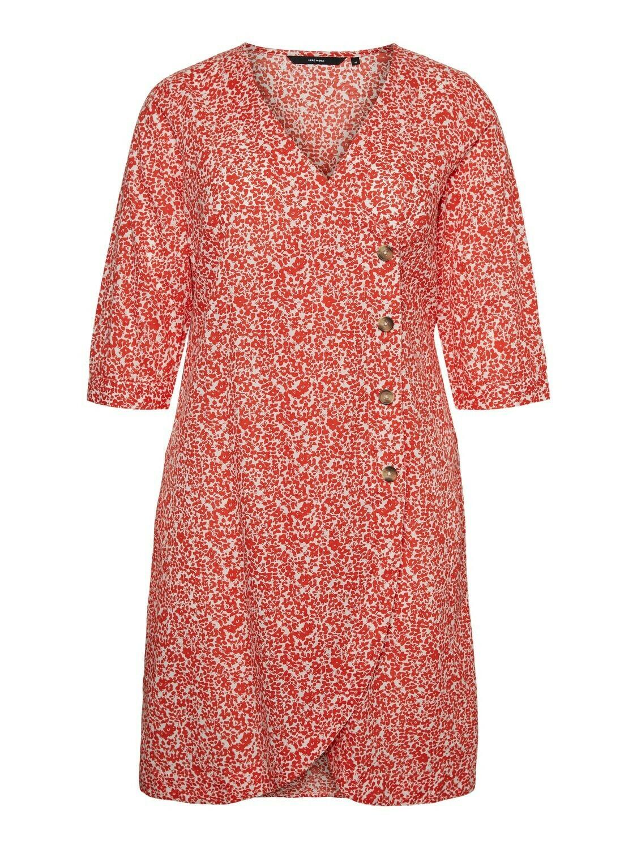 Slå-om kjole fra Vero Moda Curve!