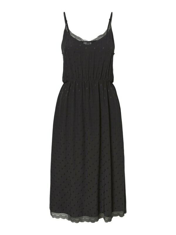 Singlet-dress fra Vero Moda Curve!