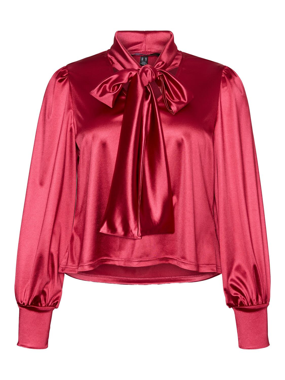 Cool skjorte med sløjfe-detalje fra Vero Moda Curve!