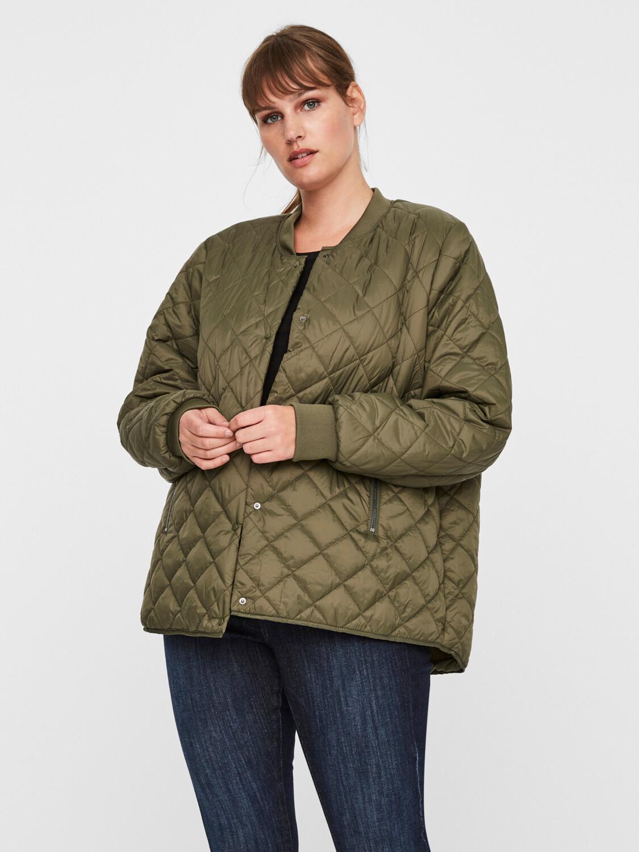 Quilted jakke fra Vero Moda Curve!