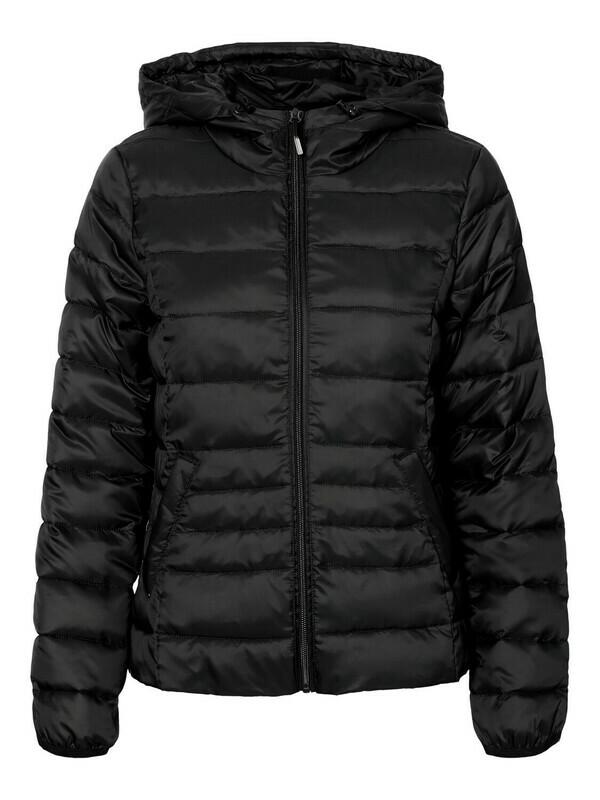 Lun jakke med hætte fra Vero Moda Curve!
