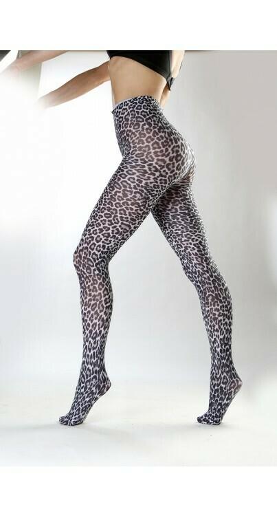 Strømpebukser med sneleopard-print fra Pamela Mann.