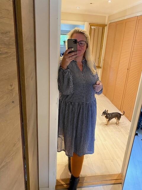 Tunic/dress i Houndtooth print fra Carmakoma!