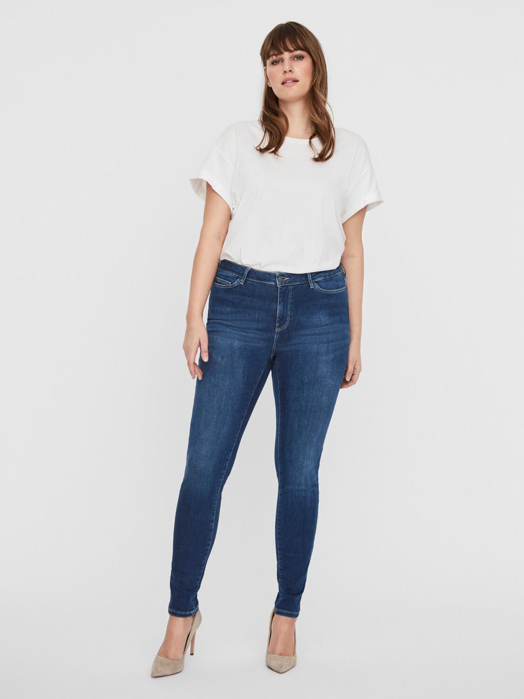 Stretchy shape-up jeans fra Junarose!