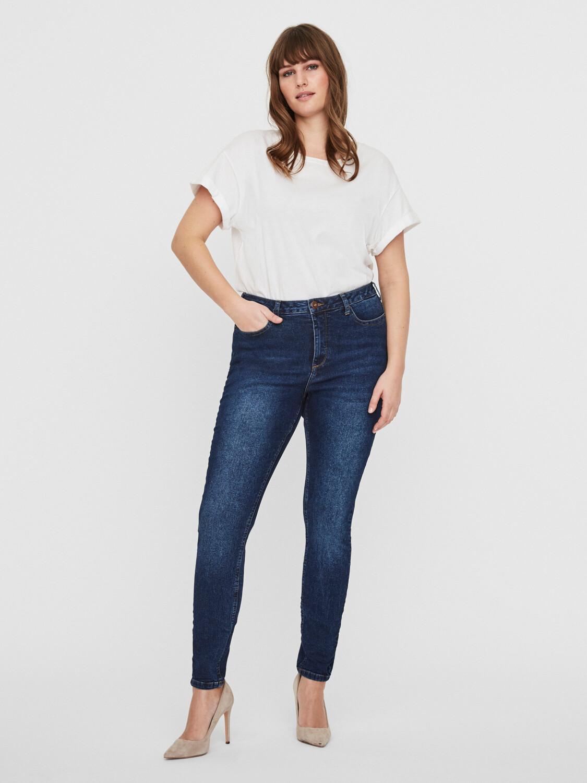 Stretchy jeans med smalle ben fra Junarose!