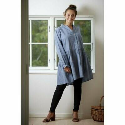 Flot blå skjorte-tunic fra Zoey!