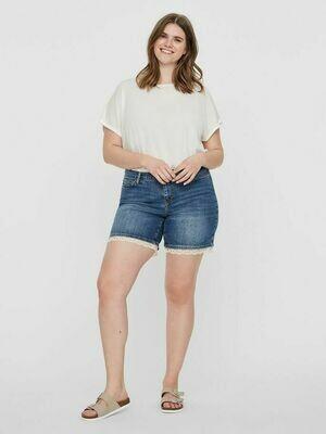 Denim-shorts med blonde fra Junarose.