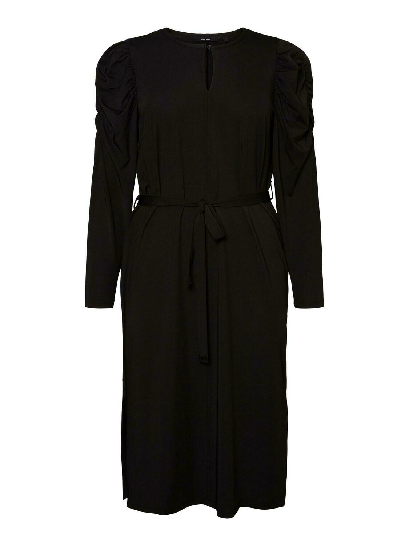 Sort kjole med pufærmer fra Vero Moda Curve!