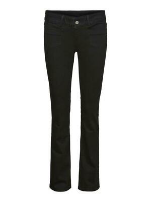 Fede jeans med vidde fra Vero Moda Curve
