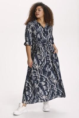 Lækker lang kjole med print fra Kaffe Curve