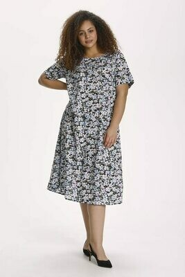 Løstsiddende kjole med blomster fra Kaffe Curve