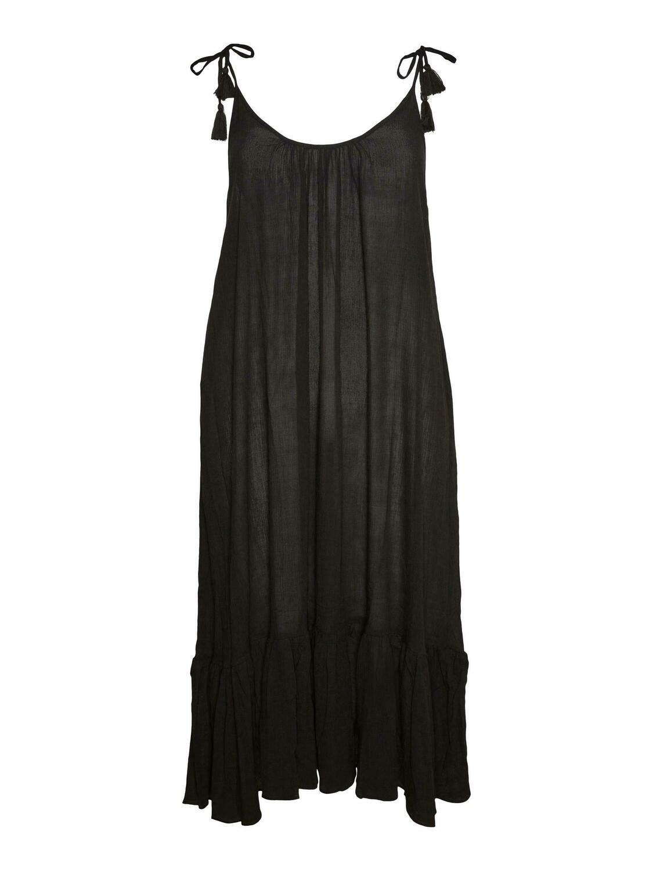 Lang kjole med bindestropper fra Vero Moda Curve!