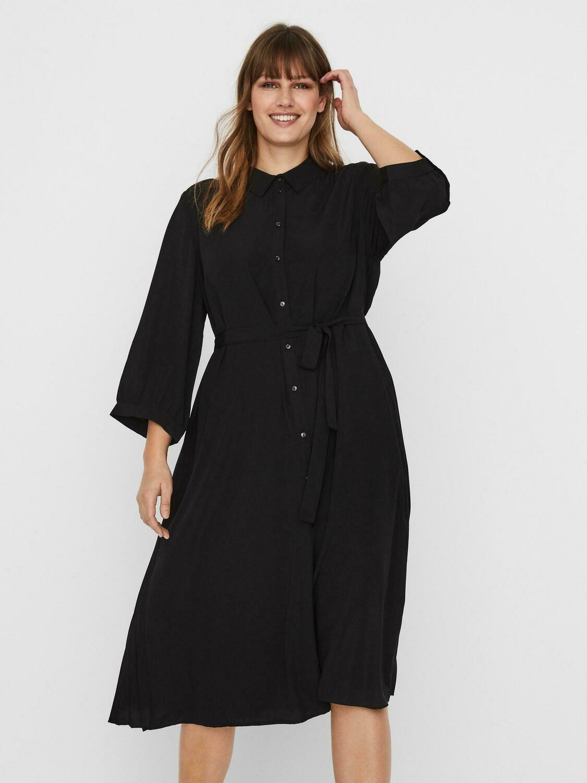 Smuk midi kjole fra Vero Moda Curve